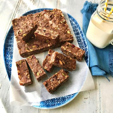 Healthy Fruit and Nut Bar Recipe